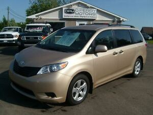 2013 Toyota Sienna V6 7 Passenger EXT Warranty to 120,000 kms