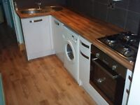 1 BR Self Contained Flat with small outside space & garage - St Judes