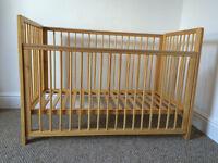 Tutti Bambini 'Louisa' solid wood dropside cot