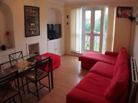 Lovely two bedroom flat, close to all amenities.