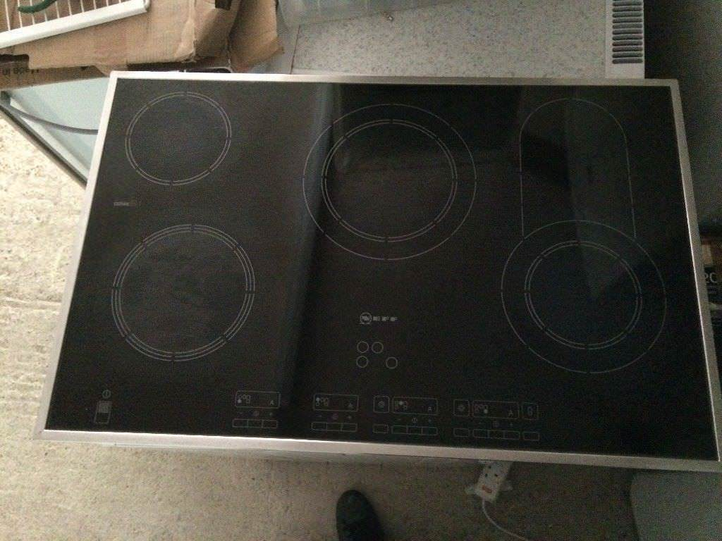 **NEFF**5 RING ELECTRIC HOB**TOUCH CONTROL**COLLECTION\DELIVERY**NO OFFERS**STAINLESS STEEL**