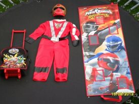 Power Rangers - outfit, height chart & pull along case collection