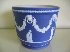 Beautiful antique Wedgwood blue jasperware jardiniere planter
