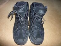WALKING BOOTS SHOES FOR MEN SIZE 10.5 TRESPASS