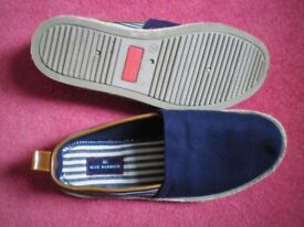 Marks and Spencer unworn casual beach shoes M & S navy + white canvas,as new size 7, gent's loafers