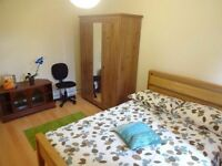 Near to Westfield Shopping Centre - Beautiful Double Room in White City . AVAILABLE NOW!