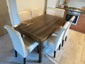 Dining Table In Great Condition & Six Chairs