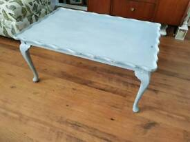 Vintage Retro Large Coffee Table Console Side Table Queen Anne Style Legs Pie Crust Top