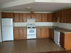Near Downtown - 5 Appliances & Underground Parking