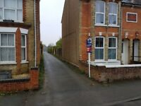 GARAGES AVAILABLE NOW: Christchurch Road, Ashford TN23 7XE