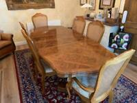 Good condition vintage dining table & chairs