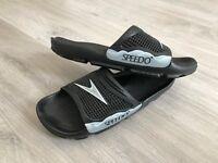 Speedo flip flops size uk 9