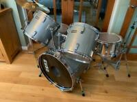 Rare vintage remo drumit