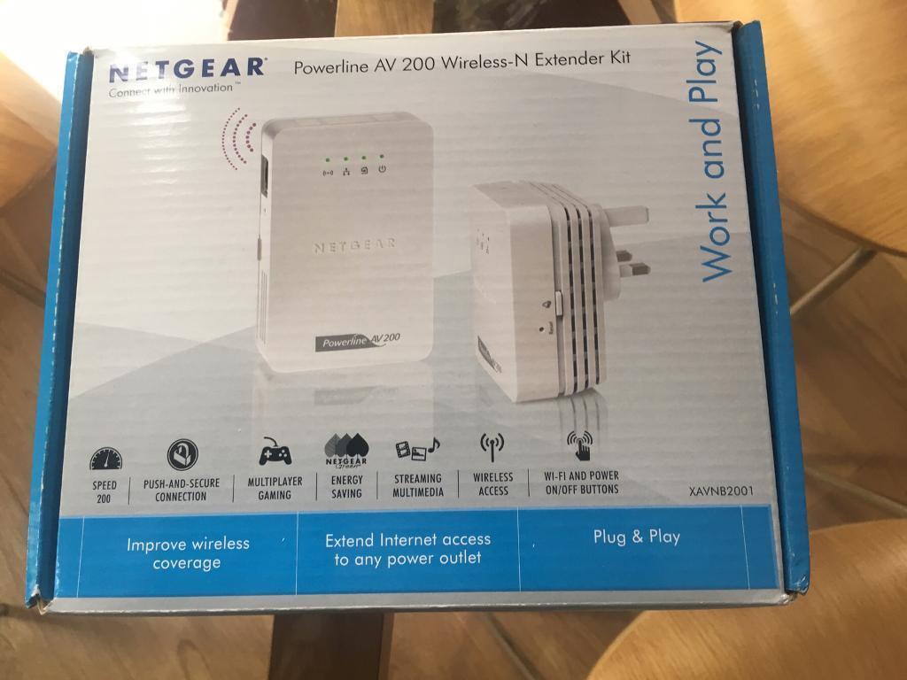 NETGEAR Powerline WiFi AV 200 Wireless N Extender kit - XAV2001 and XAVN2001