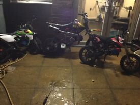 2 50cc mini Pitbikes