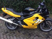 Triumph 600