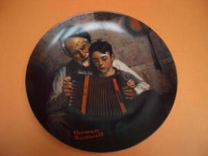 "NORMAN ROCKWELL ""THE MUSIC MAKER"" COLLECTOR PLATE London Ontario image 1"
