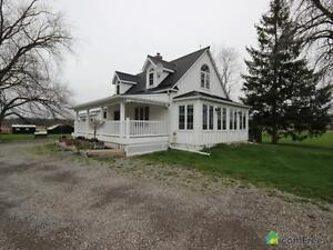 $1,500,000 - Acreage / Hobby Farm / Ranch in Niagara Falls