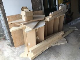 Pine staircase, not been used. Good condition all parts included. All sizes are on drawings.