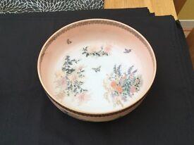 Beautiful pink glazed Oriental style 1980,s bowls. One large,one medium size.