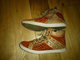 Women's leather /suede shoes/boots size UK 3