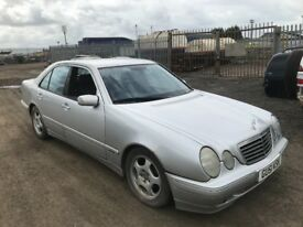 Mercedes Benz e220 cdi breaking engine gearbox doors bonnet alloy wheels