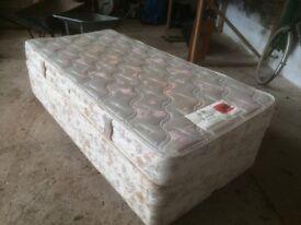 Slumberland single bed with mattress