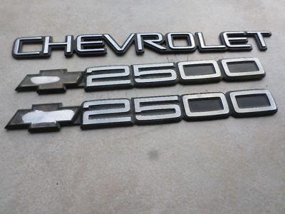 96 02 Chevy Express 2500 Logo 15551234 Emblem Decal Ornament 15998983 Script Set