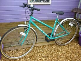 "Ladies 19"" cycle with 5 gears"