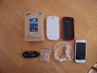 Samsung Galaxy S3 Mini with accessories in Fantastic Condition