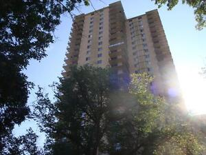 Live in the sweet spot downtown - Renovated 2 bdrm - INCENTIVES