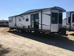 2016 Wildwood by Forest River Wildwood DLX 39FDEN