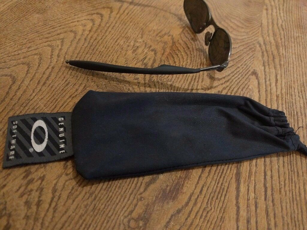 Vintage Oakley sunglasses (a wires?) £25