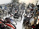 v  100S BIKES IN STOCK,,,HYBRID, DUTCH ,CITY ,ROAD,MOUNTAIN BIKES ,FULLY SERVICED