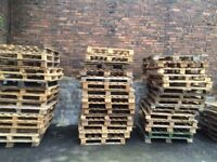100 OF WOODEN PALLETS