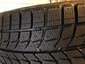 1 pneu 215/45/17 Bridgestone blizzak nouveau