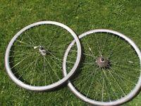 Pair Of Vintage Campagnolo Lambda Strada 700c Racing Bike Wheels Campag Campy