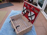 Traditional Wicker Picnic Basket.