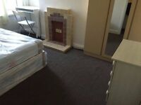 Bright Double Room - East London (Upton Park). Bills incl