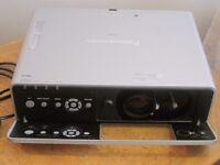 Panasonic PT-F200NT XGA wireless projector [ PJLink] -A lightly used device