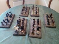 Hobbits. 56 figures plus 6 display bases. No boxes. No mags. Ex. condition.