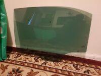 Skoda rapid hatchback window left door glass