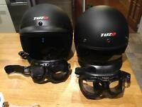 Open face crash helmets
