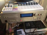 Akai CD3000XL sampler fully loaded