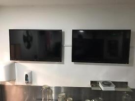 2 Technika Freeview TV's. 32 inch. (One remote)