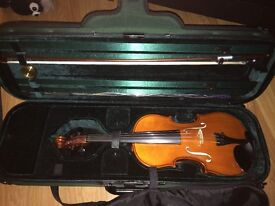 Immaculate Caswells Maestro violin outfit 4/4