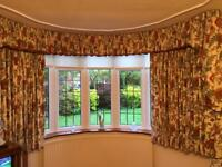 PAIR OF CURTAINS