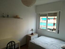 Holiday room to rent in Barcelona