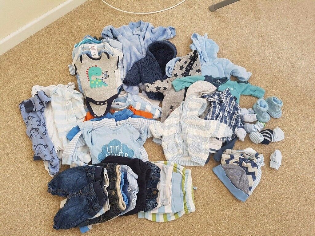 bundle of clothes: baby boy new born + 0-3 months