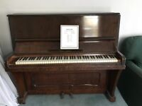 Free upright piano buyer to collect